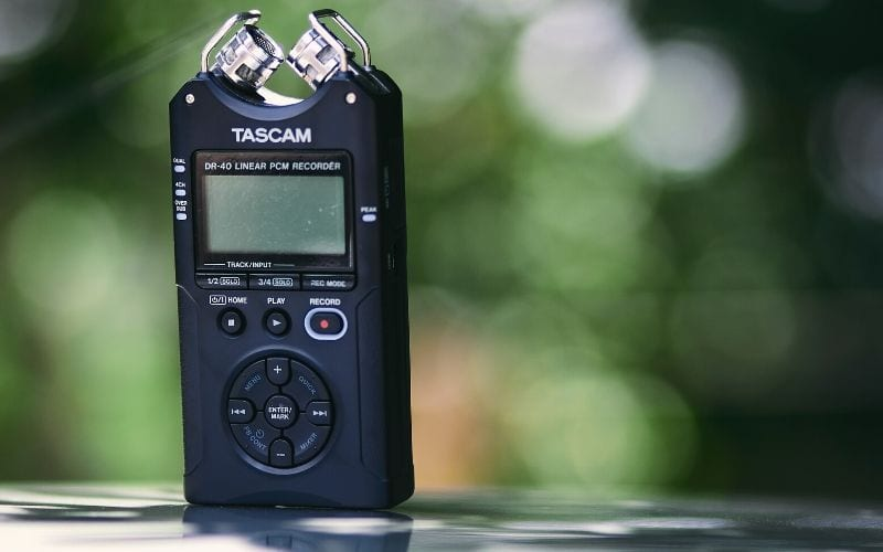 voice recorder outside as a tip how to start toplining