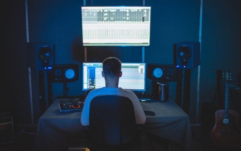 Digital Audio Workstation (DAW) for toplining