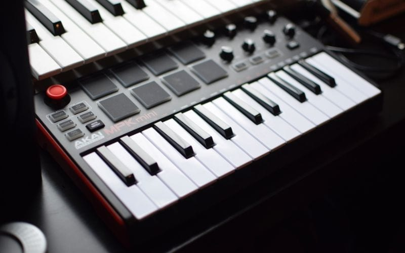 Midi Keyboard attached to Ableton Live Lite 10