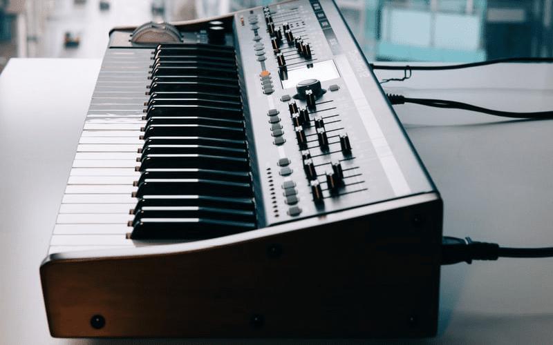 keyboar image - Simple MIDI setup