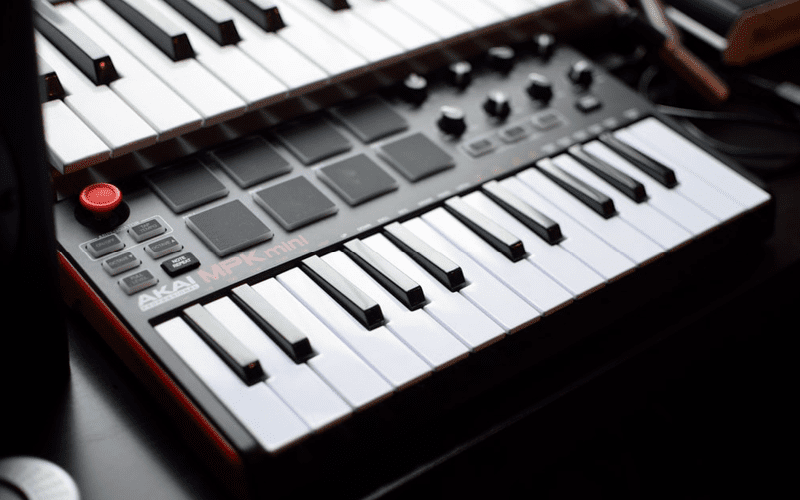 plugi in header image Everything You Need to Know About MIDI header image