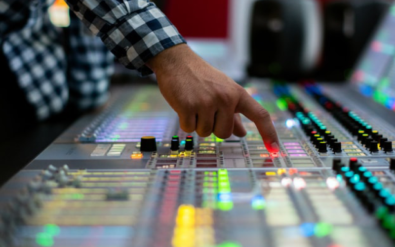 recording engineer soundboard image