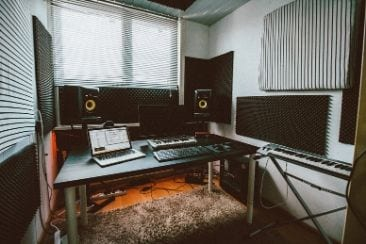 Studio Soundproofing 101: How To Soundproof A Room