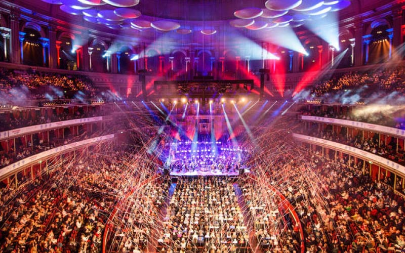 Classic FM Live, image of the crowd and stage at the Royal Albert Hall