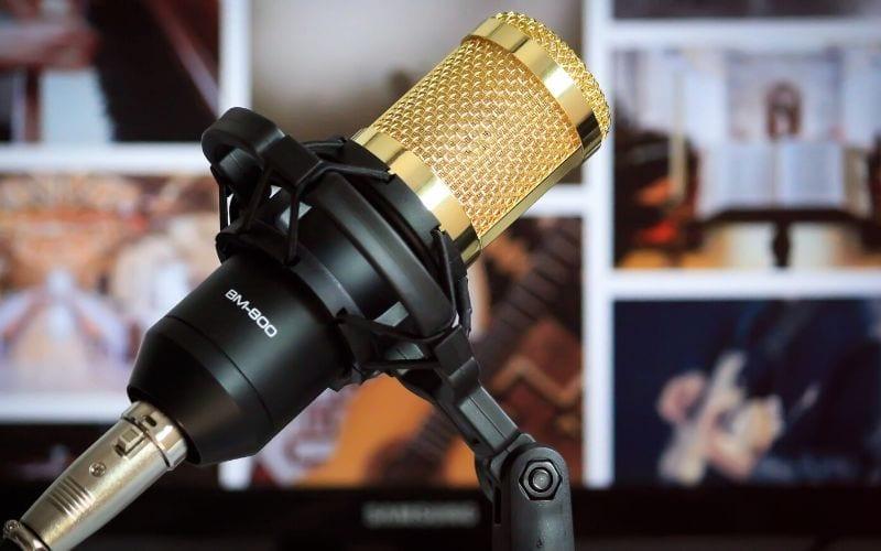 Microphone recording mono