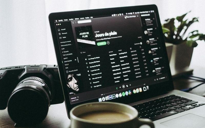 spotify playlist on macbook