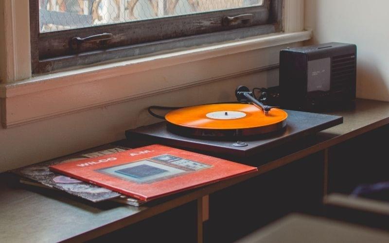 vinyl CD playing
