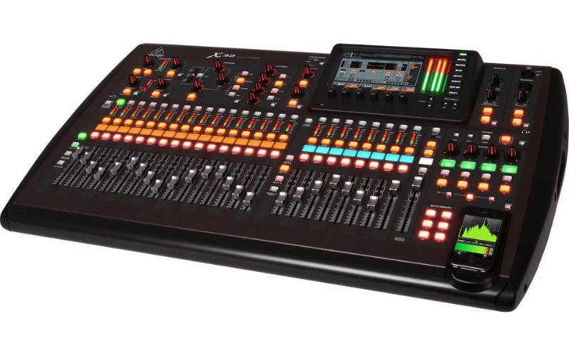 behringer x32 sound desk