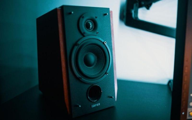 mastering sound speaker