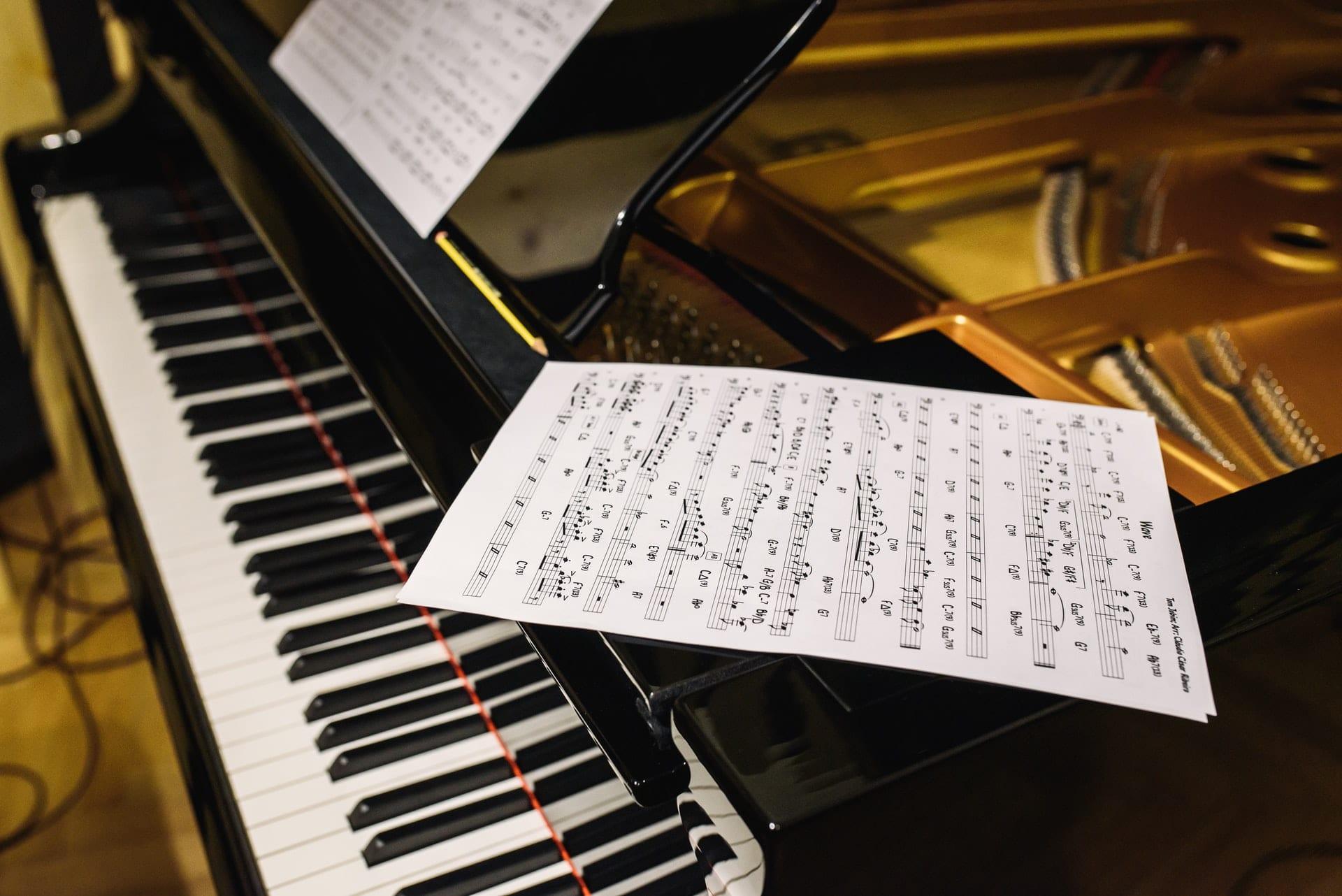 piano pitch key singing