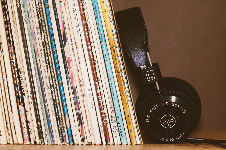 CD's music headphones