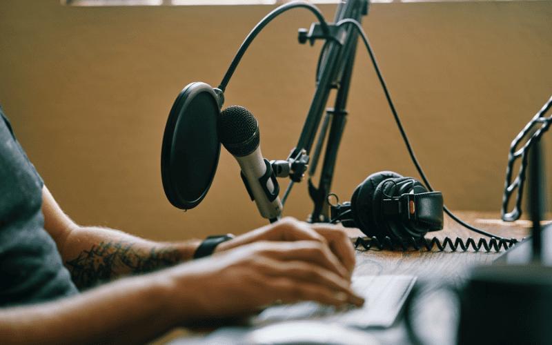 diy radio host