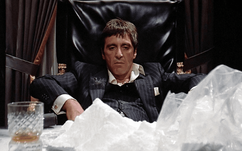 al pacino in scarface with cocaine