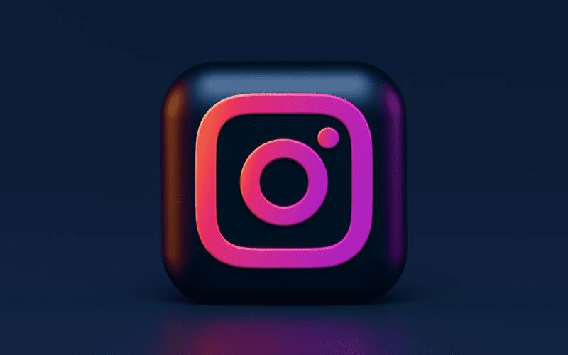 Dark themed Instagram logo.
