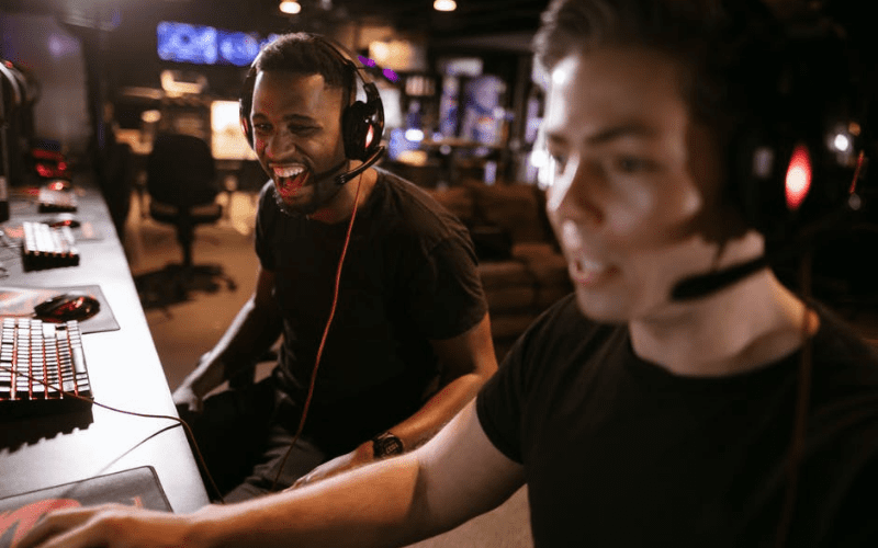 professional gamers at a gaming event