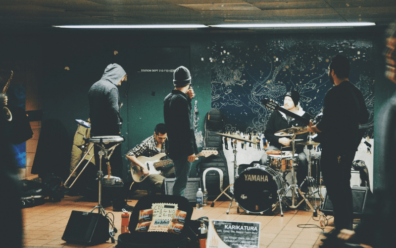 band rehearsing how to form a band