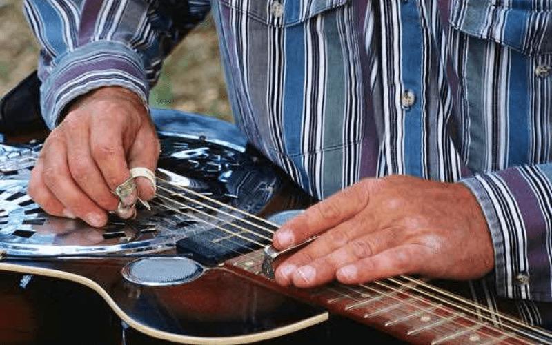 lapsteel guitar playing