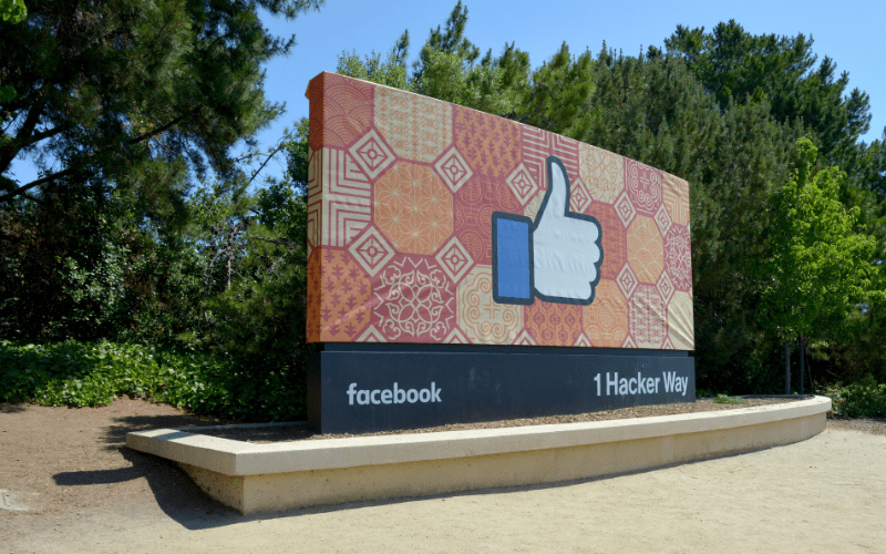 facebook sign like